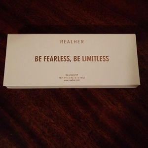 REALHER BE FEARLESS, BE LIMITLESS